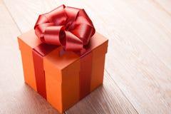 красный цвет подарка коробки Стоковые Фотографии RF