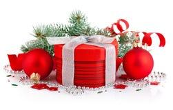 красный цвет подарка firtree рождества ветви Стоковое Фото