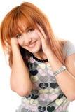 красный цвет портрета красивейшей девушки с волосами радостный стоковое изображение rf