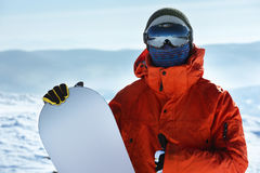 Красный цвет портрета крупного плана snowboarder человека Стоковое Изображение