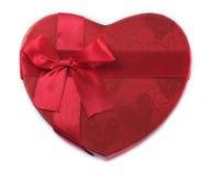 Красный цвет подарочной коробки сердца Стоковая Фотография