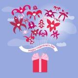 красный цвет поднял Декоративная предпосылка с букетом и подарком Стоковые Изображения