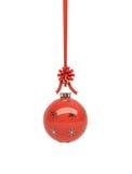 красный цвет рождества лоснистый вися Стоковое Изображение