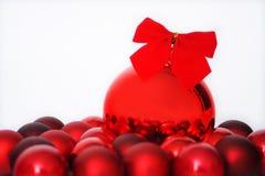 красный цвет рождества шариков Стоковая Фотография RF