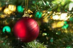 красный цвет рождества bauble декоративный Стоковое Фото