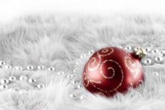красный цвет рождества шарика Стоковая Фотография RF