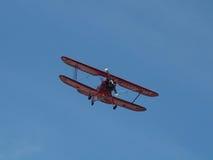 красный цвет самолет-биплана Стоковая Фотография RF