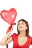 красный цвет сердца девушки воздушного шара Стоковое Фото