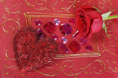 красный цвет сердца поднял Стоковые Фотографии RF