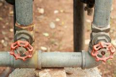 Красный цвет старые 2 клапана воды головной Стоковые Фотографии RF