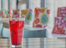 красный цвет стекла коктеила Стоковая Фотография