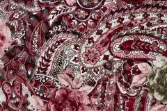 Красный цвет текстуры кожи с цветками Стоковые Фотографии RF