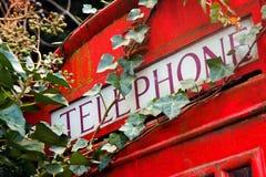 красный цвет телефона london будочки Стоковое Фото