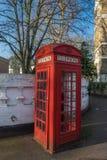 красный цвет телефона london будочки Стоковые Изображения