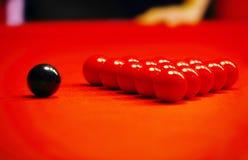 красный цвет ткани биллиарда шариков Стоковая Фотография