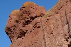 Красный цвет трясет геологохимическое образование Стоковые Фотографии RF