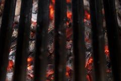 красный цвет углей горячий Стоковые Фотографии RF