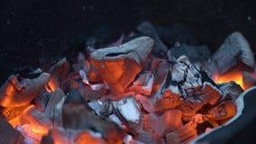 красный цвет углей горячий акции видеоматериалы