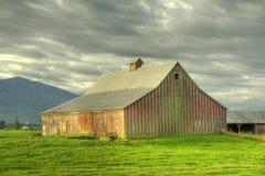красный цвет фермы амбара Стоковые Фото