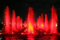 красный цвет фонтана Стоковые Фото