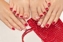 красный цвет французского manicure стоковые фотографии rf