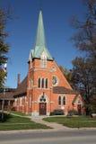 красный цвет церков кирпича Стоковая Фотография