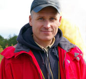 красный цвет человека куртки Стоковое Фото