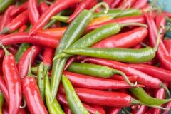 красный цвет чилей зеленый Стоковое Фото