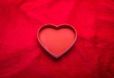 Красный цвет чувствуемый с сердцем Валентайн сердца s дня пар предпосылки Стоковое Фото