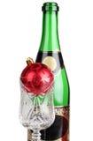 красный цвет шампанского бутылки шарика Стоковые Фотографии RF