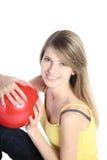 красный цвет шарика красивейший белокурый Стоковая Фотография RF