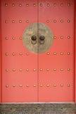 красный цвет элемента двери фарфора стоковые изображения rf