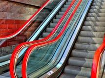 красный цвет эскалатора Стоковое Изображение RF