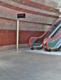 красный цвет эскалатора Стоковое Изображение
