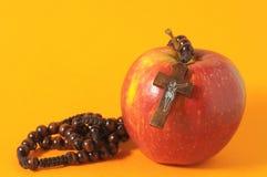 Красный цвет Яблоко греха Ева библии Стоковая Фотография RF