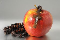 Красный цвет Яблоко греха Ева библии Стоковое фото RF