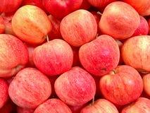 красный цвет яблок органический Стоковая Фотография