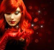 красный цвет девушки с волосами Стоковая Фотография RF