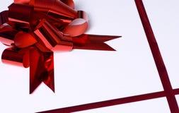 красный цвет 2 смычков присутствующий Стоковые Изображения RF