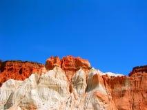 красный цвет falesia ii пляжа Стоковые Фотографии RF