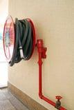 красный цвет firehose стоковые изображения rf