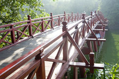красный цвет hanoi моста стоковое фото rf