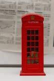 красный цвет phonebooth Стоковая Фотография