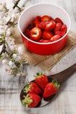 Красный шар клубник стоковые изображения