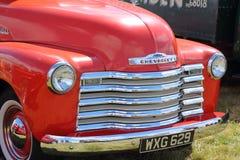 Красный Шевроле, хром жарит, винтажный американский автомобиль стоковая фотография