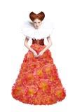Красный Duchess волос. Ретро женщина способа в классицистическом Jabot. Ренессанс. Фантазия Стоковое Изображение
