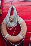 Красный lifering на яхте Стоковые Фото