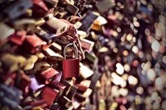 Красный padlock влюбленности Стоковые Изображения