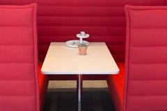 красный seating стоковая фотография
