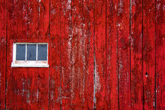 Красный siding стены амбара, с окном Стоковые Фотографии RF
